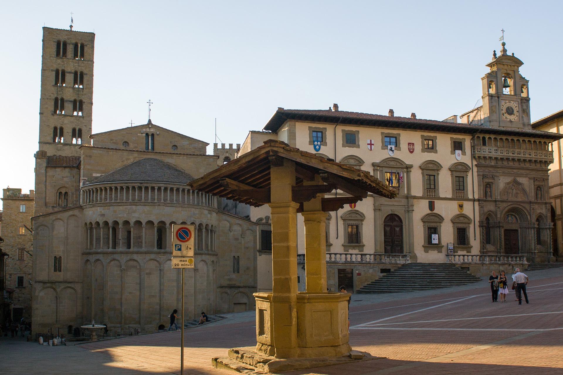 Arezzo img